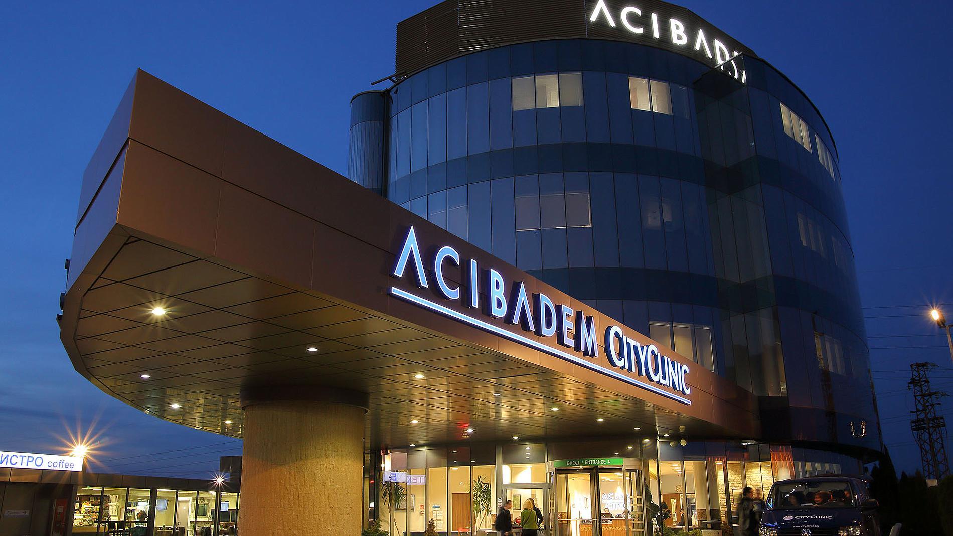 illuminated letters, exterior facade
